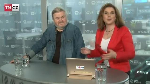 František Ringo Čech opět dává vládě trvdou lekci